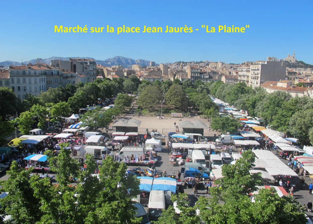 Marché sur le Place Jean Jaurès